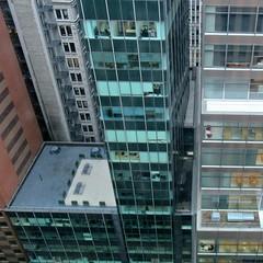 Glass Cage (Robert Saucier) Tags: newyorkcity newyork nyc manhattan building architecture fenêtre window vitre glass cristal hôtel hotel vudenhaut plongée img3532