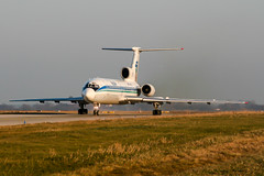 RA-85702 (PlanePixNase) Tags: hannover eddv haj aircraft airport planespotting langenhagen tupolev tu154 t154 krasair