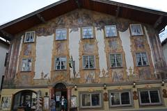 Seefeld 117 (mart.panzer) Tags: seefeld mittenwald village bayern bawaria germany deutschland d paintedhouses lueftlmalerei artisticfacadepainting bawarian frescoes