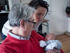 Pouna, Marianne et Élise (Dahrth) Tags: lumixgf1 lumix20mm microquatretiers bébé baby famille family