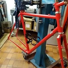 I can see a rad red bike #framebuilding #fahrradrahmenbau #ccycles #steelisreal