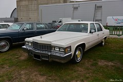 1977 Cadillac Fleetwood Brougham (pontfire) Tags: auto moto rétro rouen 2018 1977 cadillac fleetwood brougham 77 white blanche cad caddy anciennes américaine american véhicule collection pontfire car cars autos automobili automobile automobiles voiture voitures coche coches carro carros wagen classic old antique ancienne vieille veteran vintage classique bil αυτοκίνητο 車 автомобиль oldtimer luxe luxury general motors corporation gm v8 luxueuse