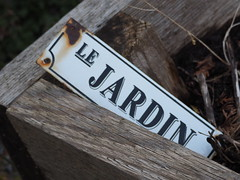 Le Jardin (Irene, W. Van. BC) Tags: lejardin thegarden gardens gardenscenes gardenplot earth soil border wood woodborder outdoors outdoorscenes outdoorart outlines 1001nights 1001nightsmagiccity 1001nightsmagicwindow