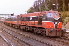 IARNROD EIREANN 146 (bobbyblack51) Tags: iarnrod eireann 141 class b general motors bobo diesel locomotive 146 drogheda station 1994