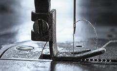 Old sewing machine (pasquale di marzo) Tags: dettaglio vecchia macchina cucire interno colore macro 2018