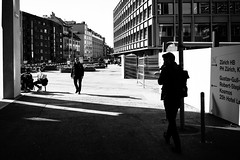 urbanist's confrontation (gato-gato-gato) Tags: apsc europa fuji fujifilmx100f switzerland x100f zurich autofocus flickr gatogatogato pocketcam pointandshoot wwwgatogatogatoch streetphotography street strasse strase onthestreets streettogs streetpic streetphotographer mensch person human pedestrian fussgänger fusgänger passant zuerich zurigo zueri fujifilm fujix x100 x100p digital