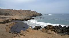 Puerto Inca (Chemose) Tags: paysage landscape desert rocher rock plage beach inca puertoinca ruine ruin water eau ocean pacifique pacific hdr pérou peru avril april sony ilce7m2 alpha7ii côte coast
