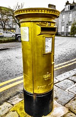 Neil Fachie MBE - Gold Postbox - Aberdeen Scotland - 25/12/2018 (DanoAberdeen) Tags: trackcycling sport athlete gbr paralympicsgb paralympicgames aberdeenuniversity commonwealthgames cycling cyclingtrack royalmail postbox post amateur candid london2012 cyclist paralympic olympics danoaberdeen neilfachie goldpostbox