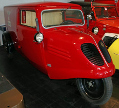 Tempo Van (Schwanzus_Longus) Tags: automuseum museum melle german germany old classic vintage car vehicle trike three wheeler panel van wagon post postal delivery tempo e200