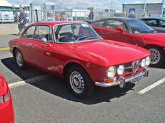 30 Alfa Romeo 1750 GT Veloce (1750GTV) (1971) (robertknight16) Tags: alfaromeo italy italian 1970s guilia 1750gtv veloce silverstoneclassic vod42k