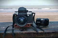 MiniMax (mavricich) Tags: mar sol film analógico analogic analogo analogico sea cámara cámaras medium format 35mm playa paisaje viaje vacaciones travel sun