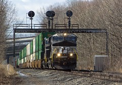(Eric_Freas) Tags: norfolk southern ns pittsburgh line mp 321 greensburg pa pennsylvania railroad prr position lights