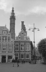 Grote Markt - Haarlem 2 (lumpy79) Tags: grote markt haarlem pentax me smc pentaxm 1750mm forte 200 expired 2004 shot iso 6419° 2015 developped smcpm50mmf17 hollandia holland netherlands epsonv500 film bw blackandwhite feketefehér