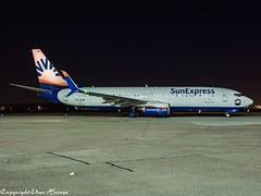 SunExpress TC-SOE HAJ at Night (U. Heinze) Tags: aircraft airlines airways airplane planespotting plane olympus 12100mm hannoverlangenhagenairporthaj haj eddv nightshot flugzeug
