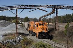 Passing by Vulcan (The Industrial Railfan) Tags: elchlok theindustrialrailfan henrydell pickensrailroad pickensrailway train shortline u18b