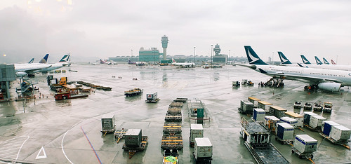 HKIA via one of those Moment anamorphic lenses