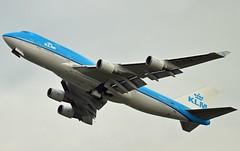 """""""City of Atlanta"""" KLM Royal Dutch Airlines PH-BFA Boeing 747-406 cn/23999-725 """"FA-001"""" wfu 16 Oct 2016 std at TEV 7 Nov 2016 @ Kaagbaan EHAM / AMS 26-12-2015 (Nabil Molinari Photography) Tags: cityofatlanta klm royal dutch airlines phbfa boeing 747406 cn23999725 fa001 wfu 16 oct 2016 std tev 7 nov kaagbaan eham ams 26122015"""