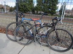 IMG_0740 (earthdog) Tags: 2019 needstags needstitle canon canonpowershotsx730hs sx730hs powershot mountainview farmersmarket market shopping bike bicycle