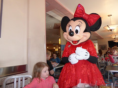 Florida Day 4 - 081 Disneys Hollywood Studios Minnies Holiday Dine at Hollywood and Vine Minnie Mouse (TravelShorts) Tags: wdw walt disney world disneys hollywood studios florida orlando fantasmic frozen vine star wars tower terror