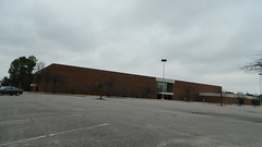 Sears (closed) (RetailByRyan95) Tags: sears abandoned closed dead empty former old vacant newportnews va virginia