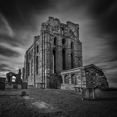 Tynemouth Priory (solidtext) Tags: tynemouth priory north shields black white blackandwhite mono leesuperstoper long exposure lee super stopper ruin gravestones englishheritage