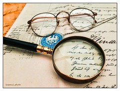 Dokument (kopaul_belgium) Tags: dokument brille lupe tabletop