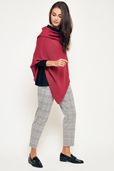 365 (beeanddonkey) Tags: beeanddonkey poncho fashionphoto woman stylish bee donkey moda kobieta modafeminina