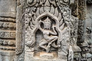 Gravure à Angkor Thom