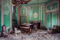 Die by your side (Re-Edit) (MGness / urbexery.com) Tags: vergessen forgotten urbanexplorarion art explorer exploration urban music klavier piano villa schloss kastel castle chateau ricardo decay lostplace places place lost abandones abandoned