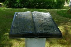 Kirchhain Annapark Grabstein (blasjaz) Tags: blasjaz grabstein grab grabdenkmal annapark kirchhain kirchhainstadt kreismarburgbiedenkopf hesse hessen germany