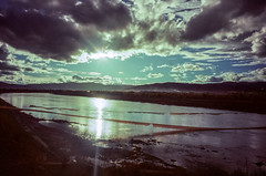 Baihe (hiphopmilk) Tags: copyright©jaredyehwooehmoehfilms konica offroad 現場監督 zoom 35mm 135film film analog analogue jaredyeh hiphopmilk kodak travel china sichuan aba hongyuan tibetan qiongxi river stream sky cloud reflection twilight dusk sunset sun prayerflags