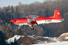 Pilatus PC-7 A-939 Swiss Air Force (Jarco Hage) Tags: dübendorf air base afb byjarcohage aviation swiss force zwitserland mil militair vliegtuigen flugzeuge airbase airport aircraft airplane lsmd flugplatz militar airfield