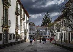 Incoming choiva (ponzoñosa) Tags: portygal viana castelo meia maratona atlantic atlántico tormenta storm plaza square