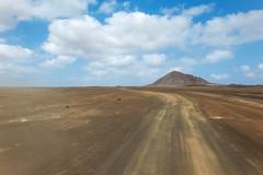 Deserto - Ilha do Sal (Marco Pereira Fotografia) Tags: deserto desert sol sun nuvens clouds azul blue ilha do sal cabo verde africa paisagem landscape sony tx10