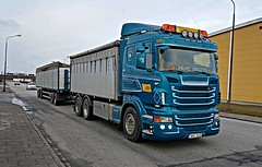 Scania R480 (Päre Pågen) - Akk Frakt - MR Jönssons Åkeri AB (Malmöstad) Tags: scania r480 päre pågen akk frakt mr jönssons åkeri ab sweden malmo malmö swedish sverige svensk truck lkw nordic camion lastbil vognmand scandinavia skandinavien scandinavie logistics wagen trailer anhänger transport lorrie lorry spedition rim michelin container bibendum lights joab mst dolly road car sky style tuning custom hella streamline vabis highline topline intercooler v8 netherland dutch holland norge norway polish poland danish danmark denmark stena recycling trash scrap scrapyard hook loader
