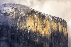 El Capitan 2 (lycheng99) Tags: elcapitan mountain yosemite yosemitenationalpark nationalpark nationalgeographic yosemitevalley clouds seaofclouds lights nature landscape winter snow travel