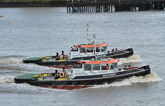 Recovery + Redoubt (2) @ Gallions Reach 04-03-19 (AJBC_1) Tags: riverthames gallionsreach london tug cory coryenvironmental redoubt shoalbuster2208 damenshoalbuster dlrblog damen ship boat vessel tugboat england unitedkingdom uk ©ajc northwoolwich eastlondon newham londonboroughofnewham ajbc1 recovery nikond3200