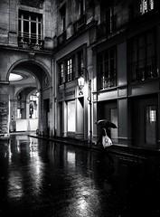 DSCF8453-Modifier (christiandumont) Tags: monochrome streetphotography streetlife street blackandwhite blackwhite bw nb noiretblanc pluie rain x100f fujifilm rue
