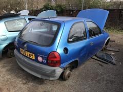Corsa Envoy (Sam Tait) Tags: vauxhall corsa 12 1200 16v blue petrol 3 door hatchback envoy 2000