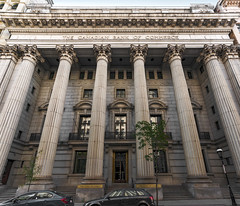 265 rue Saint-Jacques (1909), Montreal, QC, Canada (lumierefl) Tags: montreal quebec canada can northamerica frenchcanada architecture building commercial business officebuilding bank corinthian columns 1900s 20thcentury