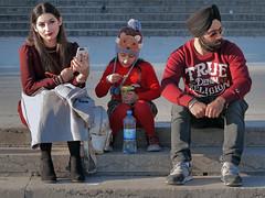 Sikh family (pivapao's citylife flavors) Tags: paris france trocadero girl children