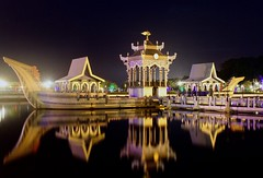 Royal Barge Replica - Brunei (JR Marquina) Tags: asia explore brunei architecture ngc