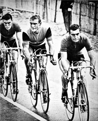 1964 SALLANCHES Chasing the breakaway group! (Sallanches 1964) Tags: sallanches 1964 rikvanlooy rudialtig worldchampionroadcycling lap sixties othertimescycling