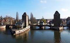 Strasbourgs Brücken ohne Blumen... (Zatato) Tags: viertelpetitefrance strasbourg barrage vauban wasser