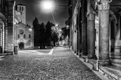 Bologna (marco rubini) Tags: bologna piazza santo stefano piazzasantostefano sette chiese settechiese notturno alba biano nero bianconero bw blackandwhite portico arcade night