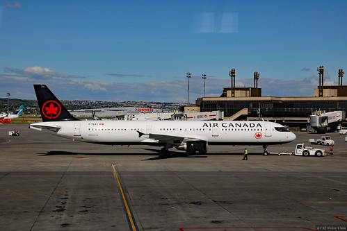 Air Canada Airbus A321-200 (C-FLKX)