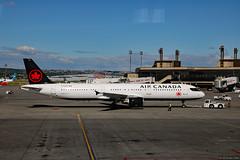 Air Canada Airbus A321-200 (C-FLKX) (Can Pac Swire) Tags: calgary alberta canada canadian yyc international airport aircanada 2017aimg0996 airbus a321 321 321200 cflkx