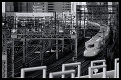 Tokyo: Impressions of a great city (Matthias Harbers) Tags: hobby photo life nikon 1 v3 dxo photoshop japan bw black white nikkor outdoor elements topazlabs omot tokyo metropolitan living home monochrome city street impression streetphotography nikon1v3 train track publictransportation yurikamome