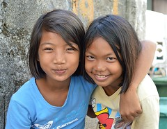 friends (the foreign photographer - ฝรั่งถ่) Tags: two girls children friends khlong thanon portraits bangkhen bangkok thailand nikon d3200