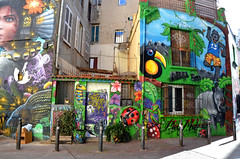 Le livre de la jungle (RarOiseau) Tags: marseille paca bouchesdurhône graffiti rue ville